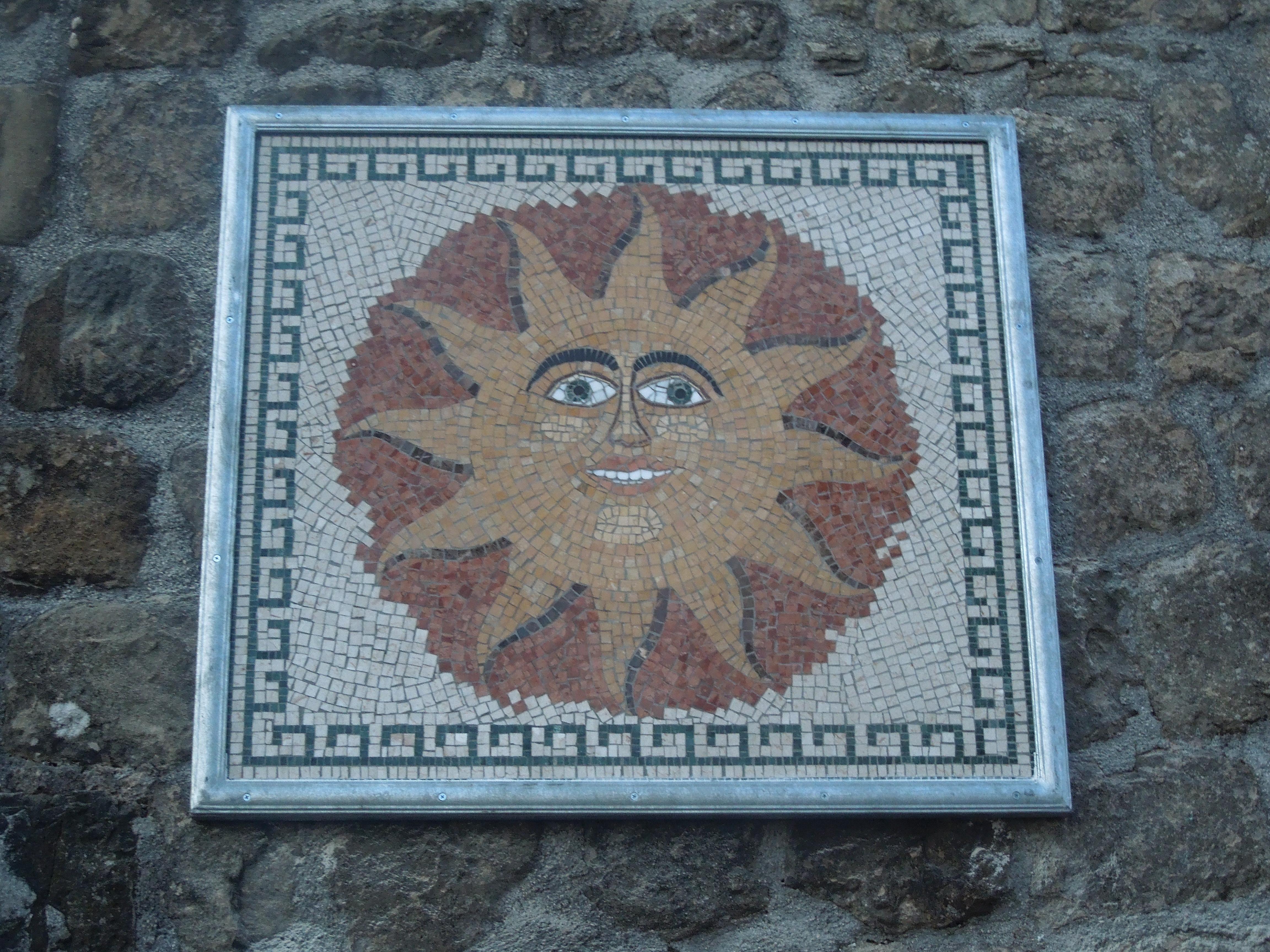 """""""Sole"""", mosaico in località """"Muraglione"""""""