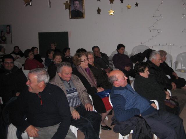 Festa degli anziani durante il periodo natalizio
