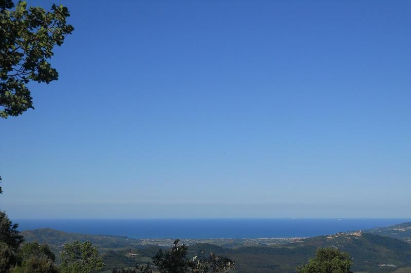 Veduta della costa cilentana con la torre di Velia
