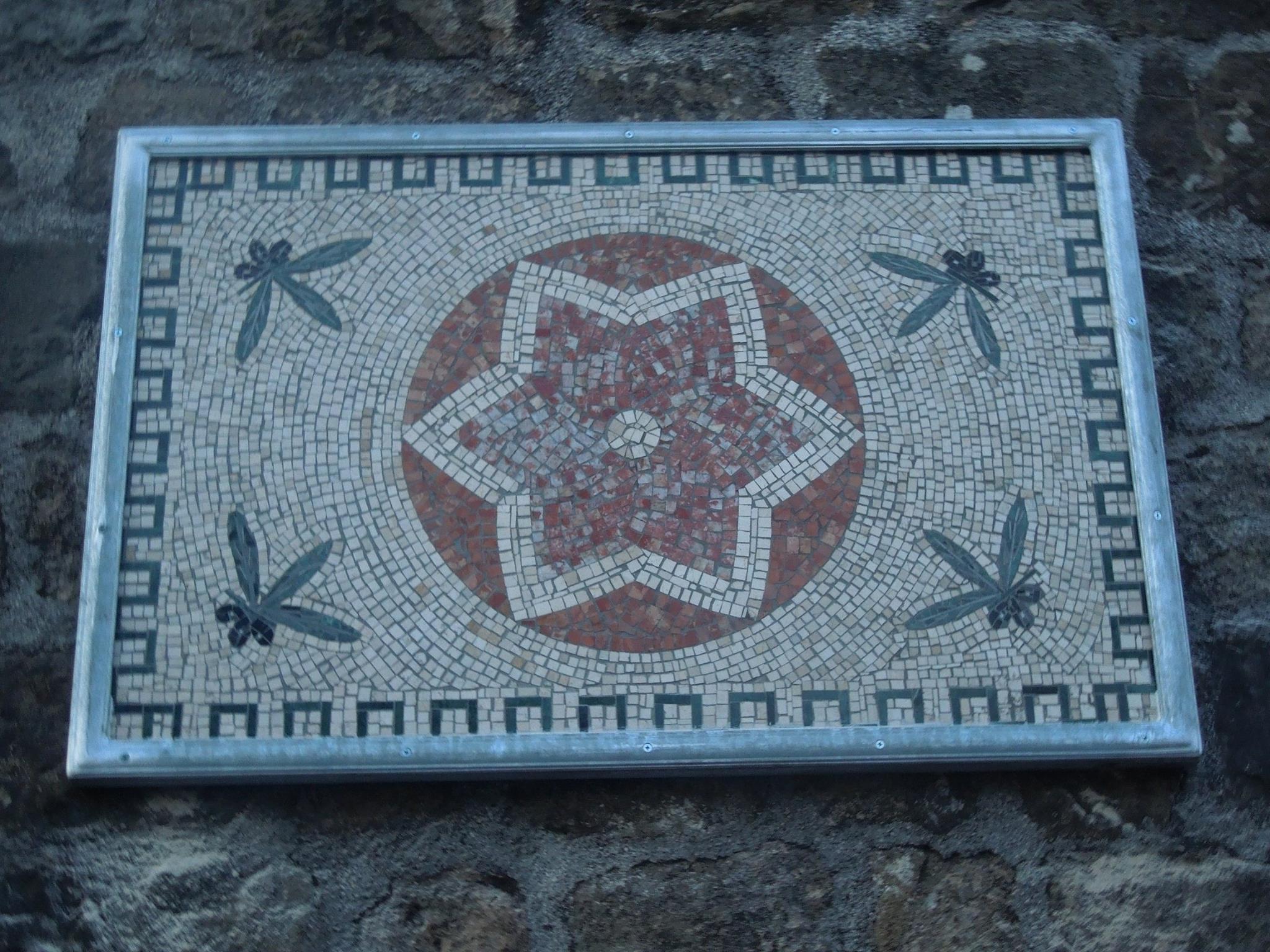 """""""Stella"""", mosaico in località """"Muraglione"""""""